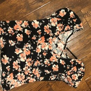 map to mars Tops - Floral slightly cropped top